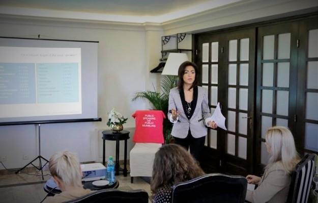 Amalia Sterescu - Public Speaking